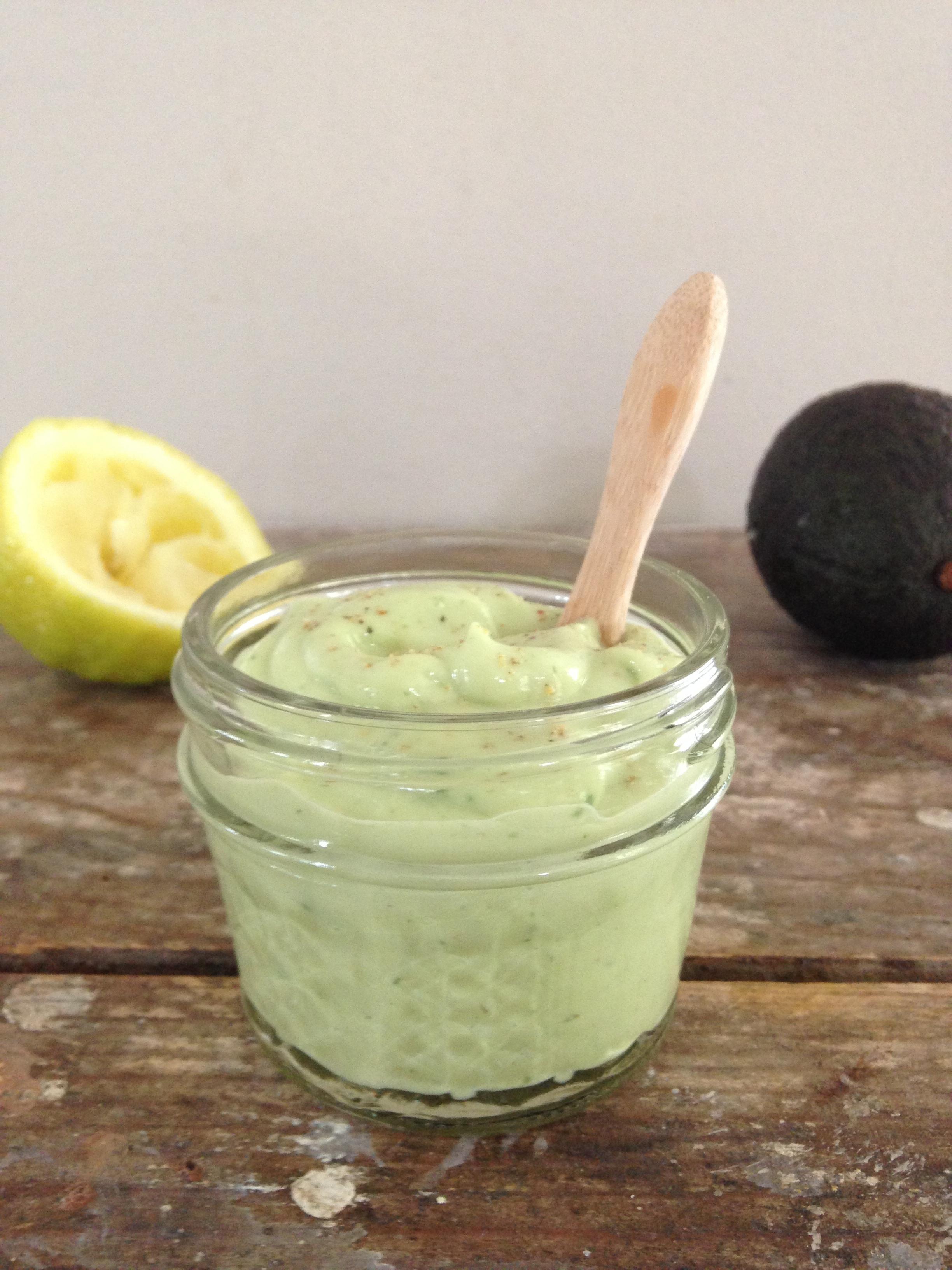 Avocado tahini dressing en een simpele salade