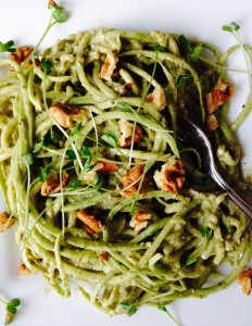 courgetti pesto walnoot