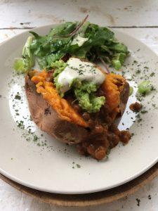 zoete aardappel met linzen curry